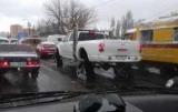 На пути в Киев заметил внедорожник на ВПП
