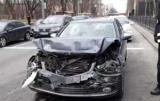 В центре Киева Mercedes протаранил Toyota и сбежал с места АВАРИИ