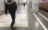 Священник взволнован пассажиров с его поведением в метро Киева